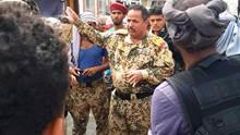 خلاف حاد بين قوات الشرعية في شقرة حول تحرير مكيراس