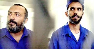 من اليمين القاضي محمد مفتاح والداعية يحيى الديلمي اثناء محاكمتهما
