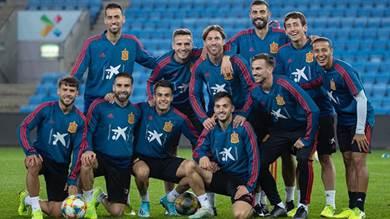 إسبانيا أمام فرصة أخرى لحسم تأهلها وإيرلندا أمام فرصة التأهل