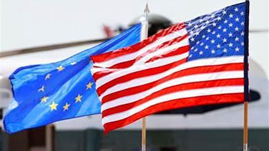 الاتحاد الأوروبي يهدّد واشنطن بالردّ بعد دخول عقوبات جمركية أميركية حيّز التنفيذ