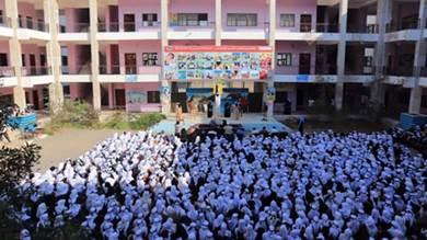 الهلال الأحمر الإماراتي: توفير التعليم لـ150 ألف طالب في عدن