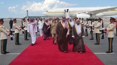 الرياض تغازل مسقط بحثاً عن دور في تسوية سياسية محورها اليمن
