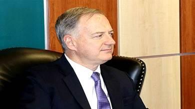 السفير الأمريكي لدى اليمن كريستوفر هينزل
