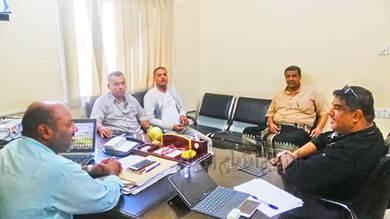 (المسجدي) يلتقي رئيس نادي الشعب ويطلع على استعدادات فريقه