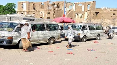 نقابة سائقي سيارات الأجرة بلحج مهددة بتوقف نشاطها