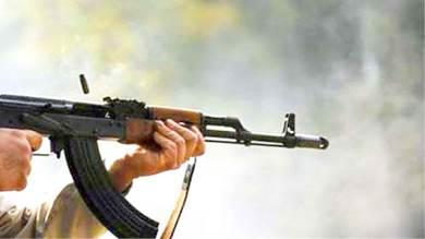 شاب يقتل والده بسلاح آلي في البريقة