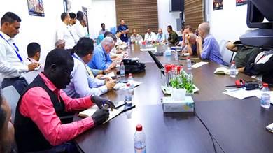 محافظ الضالع يلتقي مدراء وممثلي مكاتب المنظمات الدولية بالعاصمة عدن