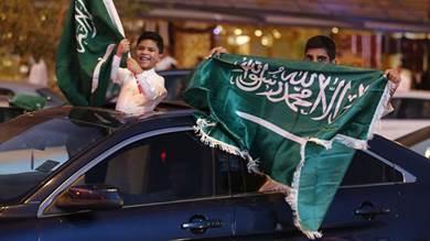 المرور السعودي يكافئ السائقين بجوائز تصل إلى 10 سيارات.. فيديو
