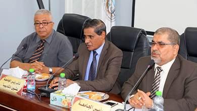 البحسني يضاعف الدعم الشهري لجامعة حضرموت
