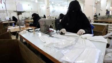 أقدم مصنع نسيج باليمن يعود للحياة لمواجهة كورونا