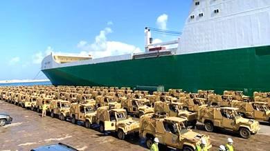 وصول 100 عربة مدرعة من بريطانيا إلى لبنان والهدف متعلق بسوريا