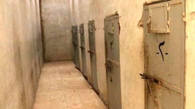 حقوقي: المعتقلون بسجون الإخوان في شبوة يعذبون