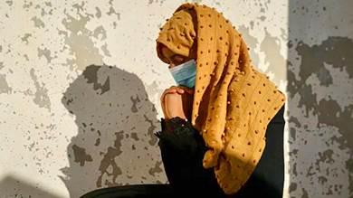 سلوى، 14 عاما ، ضحية للعنف الجنسي، في مجمع الأمم المتحدة في التربة تعز