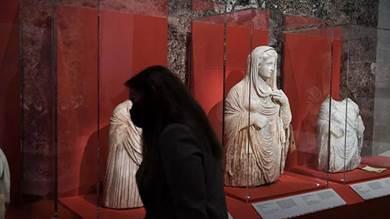تماثيل منهوبة من مقابر قورينا الأثرية في شرق ليبيا ضبطتها السلطات الفرنسية في مطار رواسي عام 2016 خلال تهريبها من لبنان إلى تايلاند