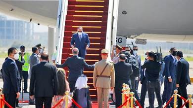 الرئيس العراقي برهم صالح يرحب بنظيره المصري عبد الفتاح السيسي لدى وصوله لبغداد الأحد