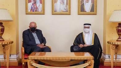 وزير الخارجية البحريني عبداللطيف الزياني خلال استقباله نظيره المصري سامح شكري