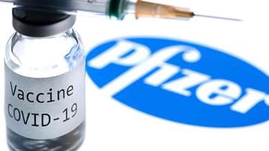 أمريكا تجيز تقديم جرعة ثالثة من لقاح كورونا للمسنين والمعرضين للخطر