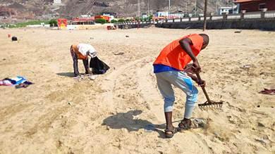 إطلاق حملات مكثفة لتنظيف شواطئ عدن وشوارعها العامة