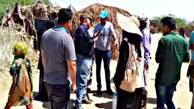 نقل مخيم للنازحين بعد توعد مالك الأرض بإخلائه في أبين