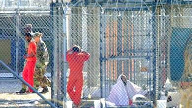 واشنطن تفرج عن يمني وأفغاني معتقلين في جوانتانامو
