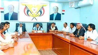 محافظ شبوة يدعو لتعزيز التلاحم الوطني لمواجهة الخطر الحوثي