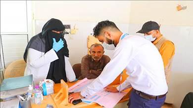 فريق برنامج الأغذية العالمي محور المكلا يزور مستشفى الغيظة